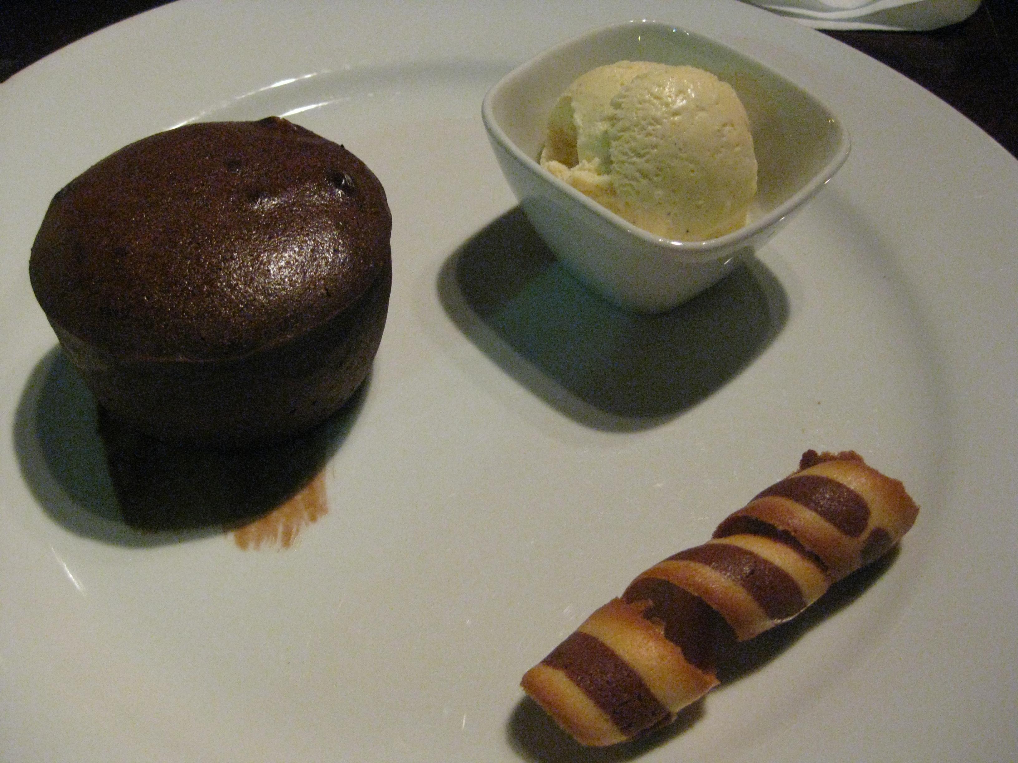 Chochlate fondant a.k.a. chocolate lava cake